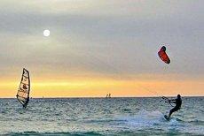 Surfing to wciąż stan umysłu dla wybranych, czy sposób na łatwy lans?