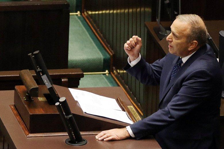 Przewodniczący PO Grzegorz Schetyna stracił nerwy po tym, co w Sejmie usłyszał od szefa MSWiA Mariusza Błaszczaka na temat nawałnic, które w sierpniu dotknęły Pomorze.