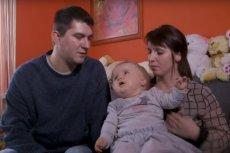 Małgosia cierpi jako jedno z około 10 dzieci na chorobę Canvana, która polega na obumieraniu mózgu.