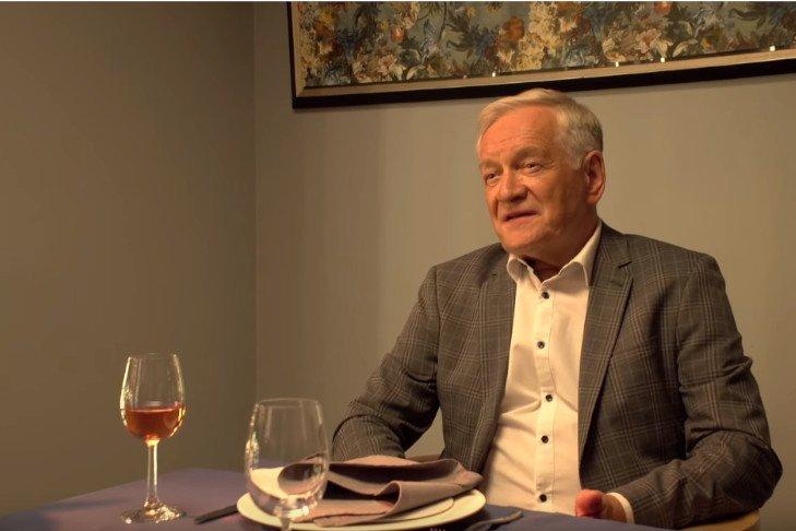 """""""Solid Gold"""" wraca do konkursu głównego Festiwalu Filmów Fabularnych w Gdyni. Producent musi zwrócić 2,5 mln złotych TVP, które wypowiedziało w czwartek umowę."""