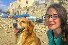 Podróżniczka Joanna Dzyr i jej nowy kumpel, poznany na włoskiej wyspie San Nicola