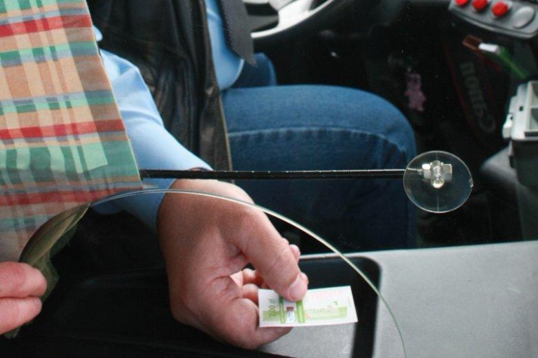 Kierowcom autobusów też czasami puszczają nerwy