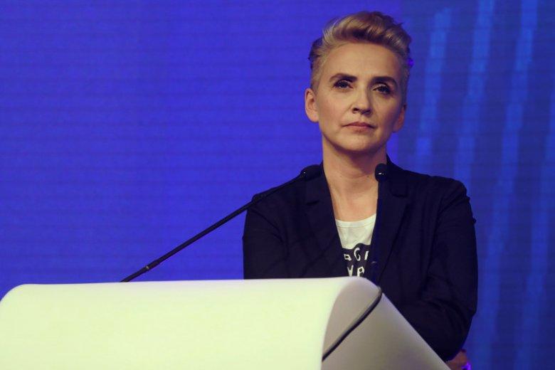 Joanna Scheuring-Wielgus musi się tłumaczyć ze swojej decyzji sprzed 3 lat.