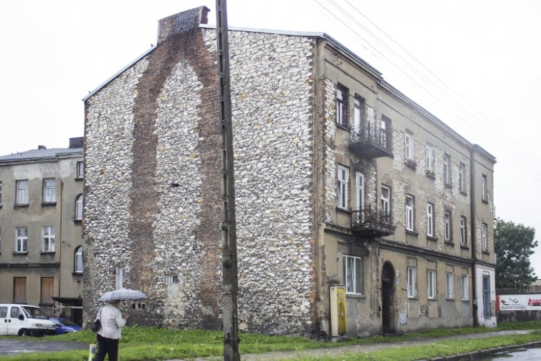 Mury wykonane z wapienia i cegły to jeden z najbardziej charakterystycznych widoków w Częstochowie.