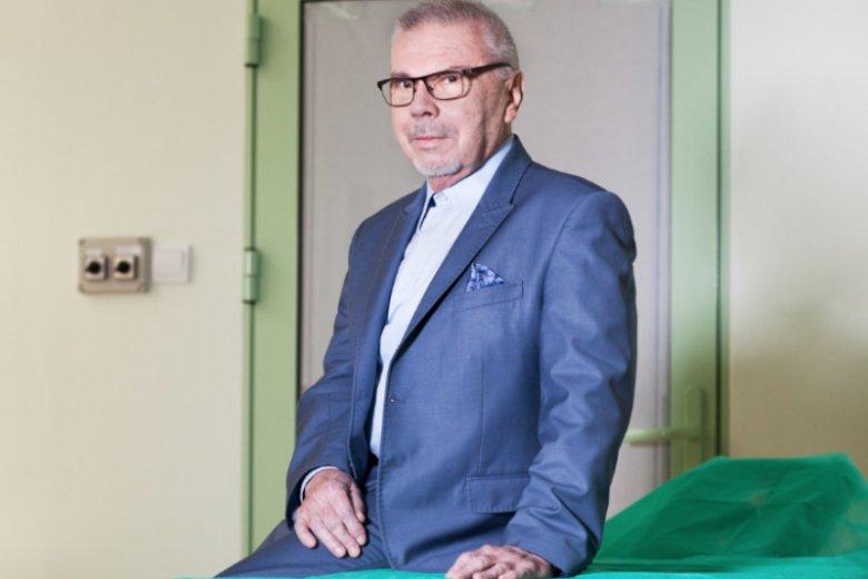 Andrzej Sankowski nie ukrywa, że w zawodzie chirurga plastyka oprócz wielkiej satysfakcji pojawia się coraz więcej pułapek. Niektóre z nich zastawiająpseudospecjaliści medycyny estetycznej.