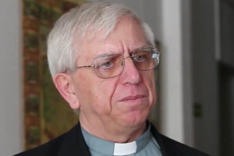 Samotnie walczy o to, by Kościół zmierzył się z problemem pedofilii. Ten ksiądz naraził się wielu duchownym
