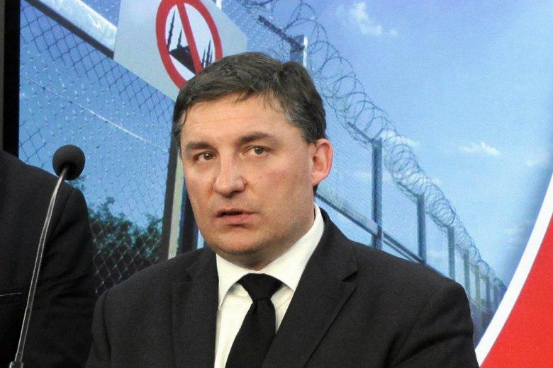 Sylwester Chruszcz przechodzi z koła Wolni i Solidarni do klubu parlamentarnego Prawa i Sprawiedliwości.
