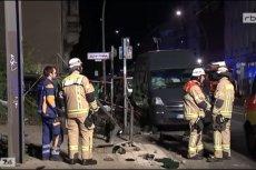 Kierowca SUV-a wjechał w tłum ludzi na chodniku. 4 osoby nie przeżyły