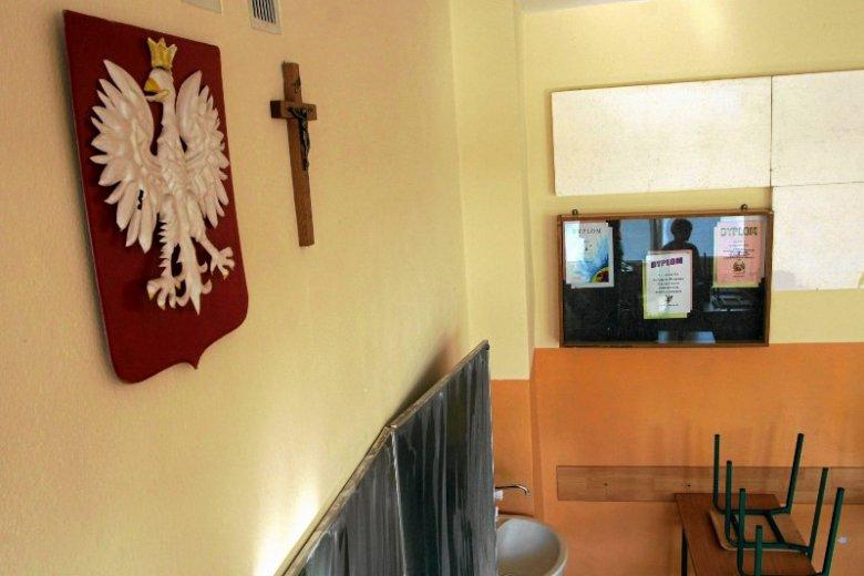 Deklaracja sumienia nauczyciela - póki co to pomysł blogera, ale poparcie zadeklarowała już posłanka Marzena Wróbel i przewodnicząca Katolickiego Stowarzyszenia Pedagogów
