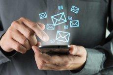 Urządzenia mobilne to prawdziwe kombajny biznesowe, dzięki nim można nie tylko pozostawać non stop w kontakcie z kontrahentami, ale także sprawdzić stany magazynowe firmy, itp