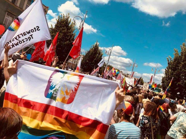 """""""Częstochowa jest tęczowa"""". Bo również tam mieszkają geje i lesbijki."""