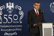 Marszałek Kuchciński na nagrody i premie dla pracowników Sejmu przeznaczył w zeszłym roku prawie milion złotych.