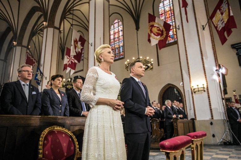 Obchody 550 -lecia parlamentaryzmu w Polsce mają się zacząć od mszy w katedrze św. Jana. POtem będzie jeszcze tylko orędzie prezydenta, obiad i tyle, a to wszystko za ponad milion złotych.