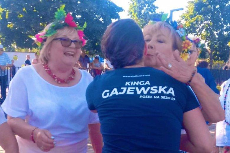 Posłanka Kinga Gajewska (PO) na spotkaniu z wyborczyniami.