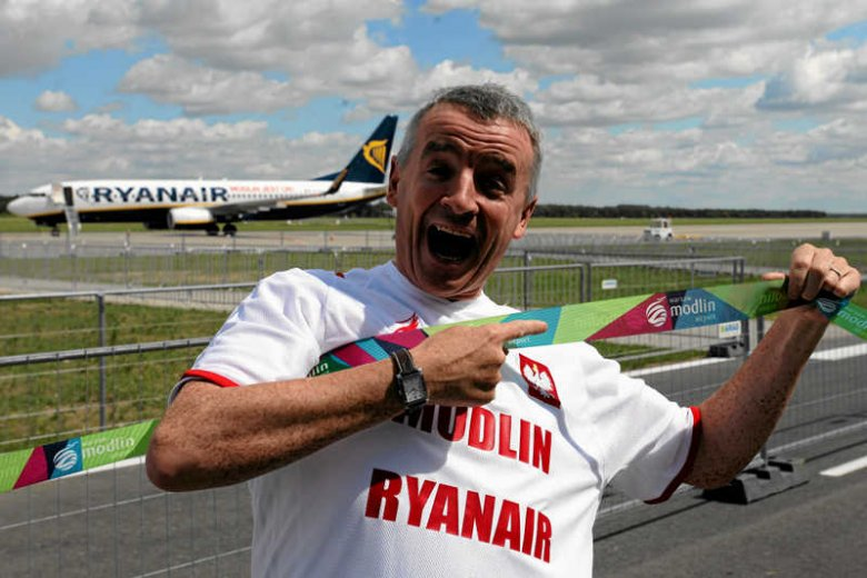 Michael O'Leary, szef tanich linii Ryanair podczas otwarcia nowego lotniska w Modlinie.