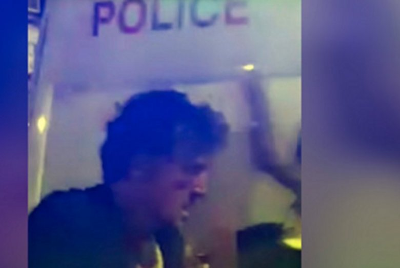 Według brytyjskich mediów złapanym pod meczetem w Londynie sprawcą zamachu jest Darren Osborne z Walii.