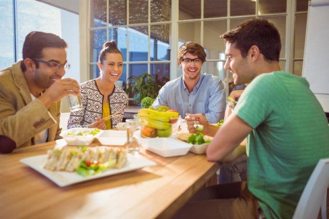 Dla przedstawicieli pokolenia Millennium darmowe obiady nie są głównym wyznacznikiem atrakcyjności miejsca pracy
