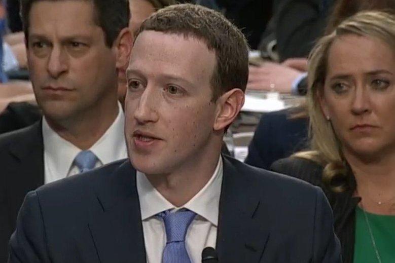 Mark Zuckerberg przyznał, że jedna wersja Facebooka zawsze będzie bezpłatna.