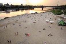 Nadwiślańskie plaże przyciągają warszawiaków.