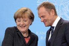 """Czy od lat przyjaźniąca się z Donaldem Tuskiem kanclerz Niemiec Angela Merkel naprawdę mogła """"przyjąć do wiadomości"""" to, co o szefie RE opowiedzieli jej politycy PiS...?"""