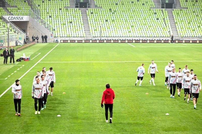 Puste trybuny. Reprezentacja Polski u siebie widzi je tylko na treningu. W Turcji widzi je w trakcie każdego swojego meczu.