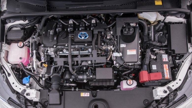 W sedanach montowany będzie znany silnik hybrydowy 1.8