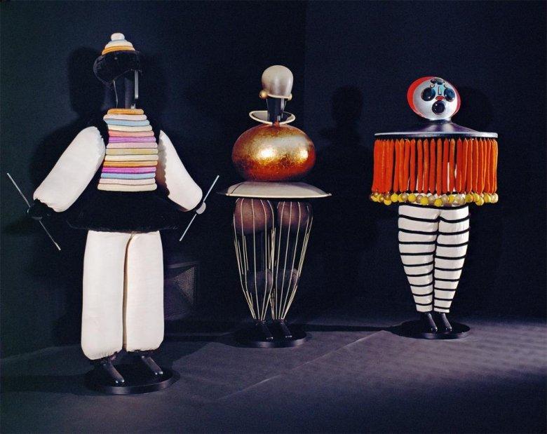 Oskar Schlemmer ballet costumes 1922,