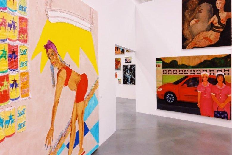 Niemałą rolę na wystawie odgrywa kolor