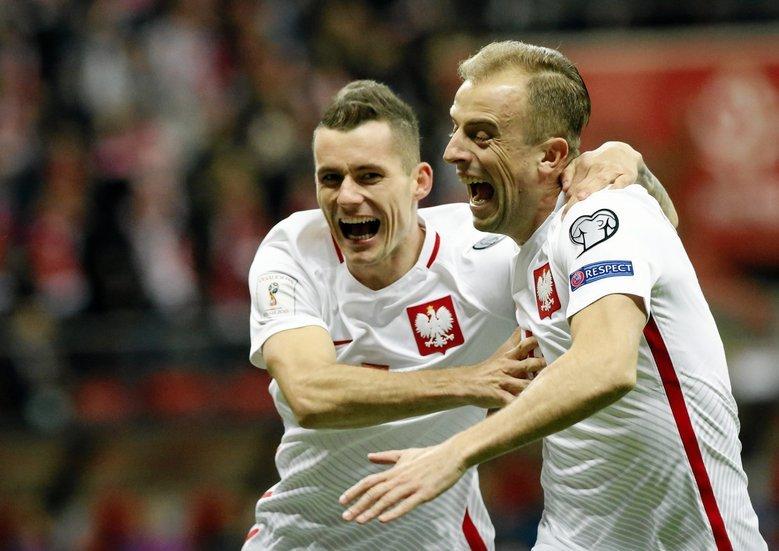47194411e Nowe koszulki reprezentacji Polski będą nieco różnić się od tych, w których  grali w eliminacjach
