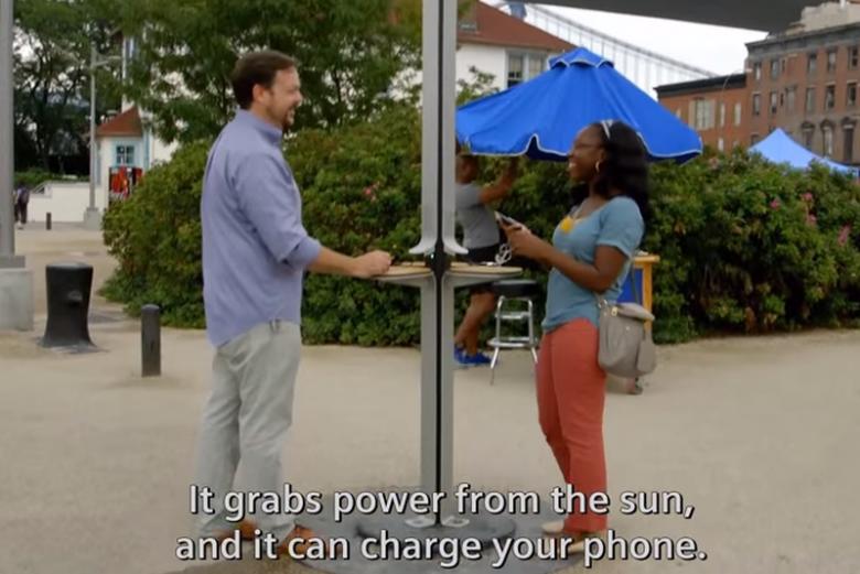 Ładowarka solarna w USA – czekając na doładowanie telefonu można prozmawiać