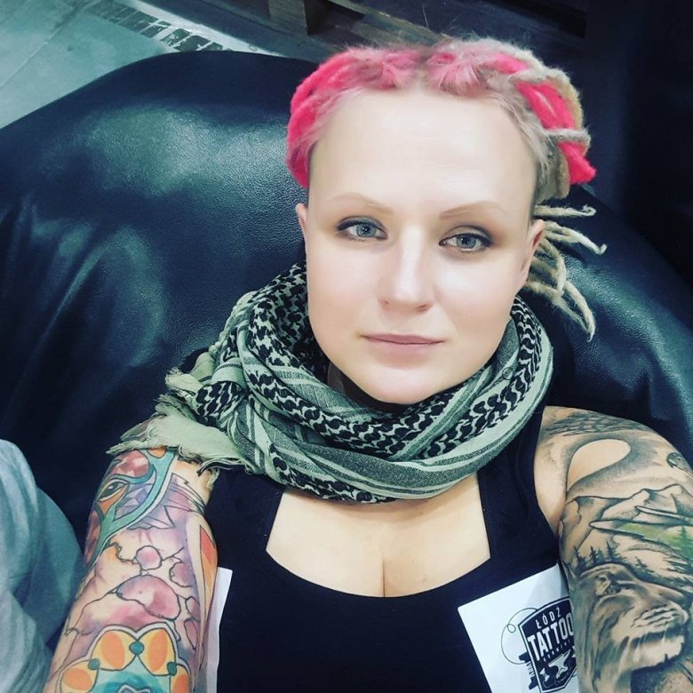 Irka pracowała w korporacji, później prowadziła własną działalność. Od kilku lat pracuje w schronisku w Korabiewicach.