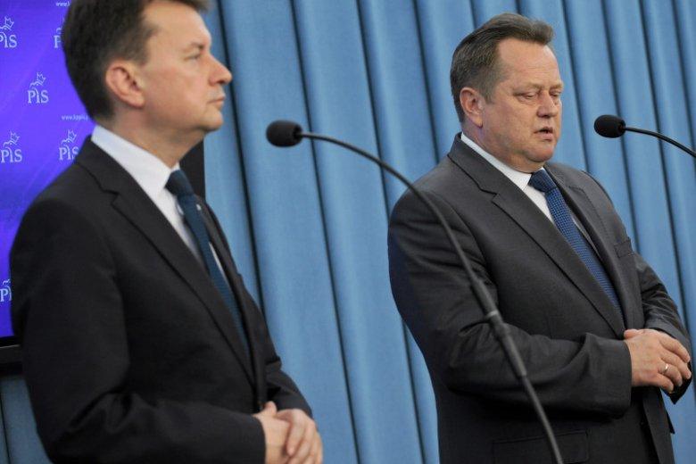 Szef MSWiA Mariusz Błaszczak i jego zastępca Jarosław Zieliński nie poczuwają się do politycznej odpowiedzialności za śmierć Igora Stachowiaka
