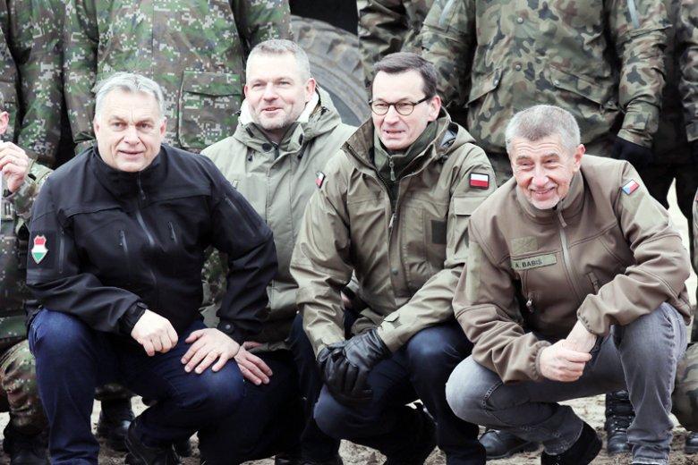 """PiS przegrało w PE, bo Zachód zemścił się za """"utrącenie"""" Fransa Timmermansa? Sytuacja Czechów i Węgrów temu przeczy."""