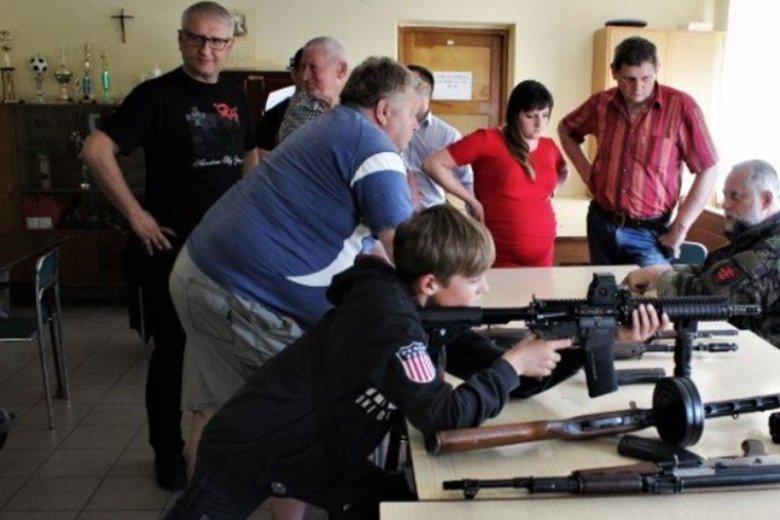 Poseł PiS Stanisław Pięta jest jednym z organizatorów i pomysłodawcą Młodzieżowej Inicjatywy Strzeleckiej Podbeskidzie 2020.