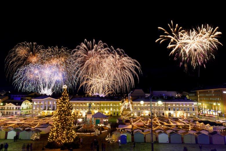 Finowie obchodzą Dzień Niepodległości 6 grudnia, a więc tuż przed Bożym Narodzeniem