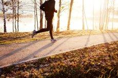 W ramach parkrun wszyscy biegają dla własnej satysfakcji, dlatego każdy biegnie własnym tempem.