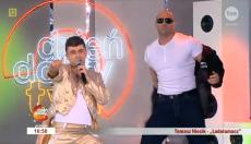 Występ Niecika wzbudził spore zainteresowanie m.in. ze względu na towarzyszącego mu tancerza.