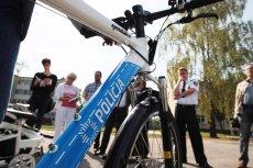 Policjant z Torunia na rowerze dogonił pijanego kierowcę BMW.