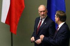 Wiceminister obrony narodowej Bartosz Kownacki postanowił zatroszczyć się o wizerunek. Wizerunek swojego szefa