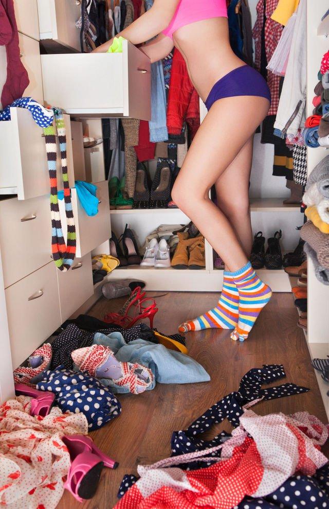 """Ten moment, kiedy ubrania """"same"""" zaczynają uciekać z szafy... wiedz, że coś się dzieje"""