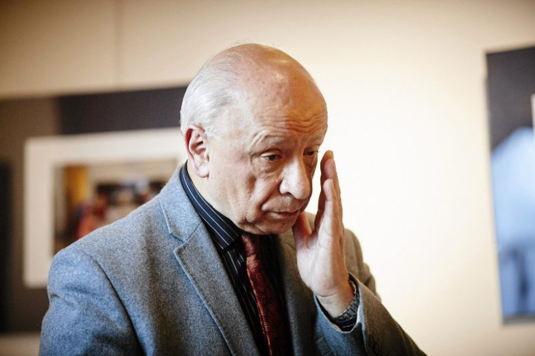 Prof. Chazan krytykuje swoich młodszych kolegów po fachu. Według niego mają służyć a nie zarabiać.