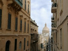 Malta zachwyca swoją architekturą, a Maltańczycy życzliwością i serdecznym sposobem bycia.