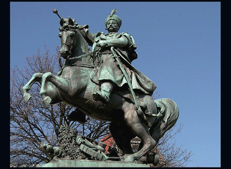 Trudno wyobrazić sobie Jana III Sobieskiego inaczej niż w ferowrze walki i na wierzchowcu...