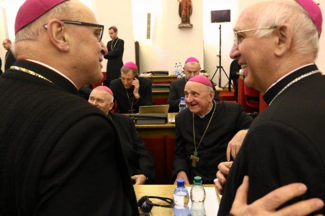 """Biskupi napisali list zatytułowany """"Chrześcijański kształt patriotyzmu"""", w którym odcinają się od ideologii nacjonalistycznej."""
