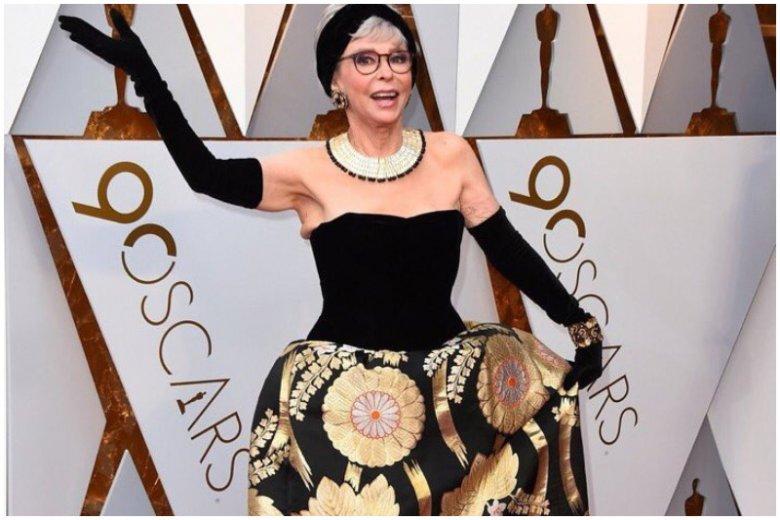 Rita  Moreno na gali Oscarów 2018 w sukni sprzed lat.