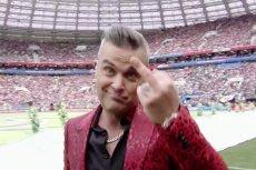 Robbie Williams w Rosji nie tylko wymachiwał środkowym palcem. Wymownie zmienił też tekst swojej piosenki.