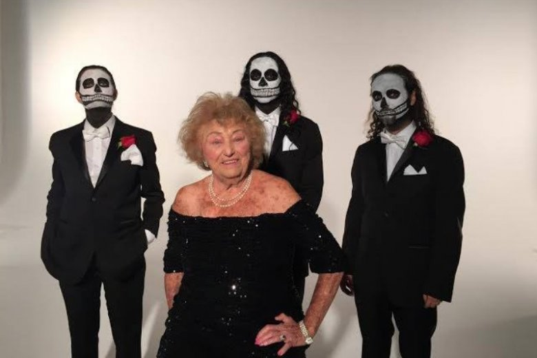 Inge Ginsberg nie jest zwykłą emerytką. 96-latka śpiewa w zespole deathmetalowym