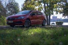 Opel Astra jako auto właściwie nie zawodzi, ale w niczym nie jest najlepszy.