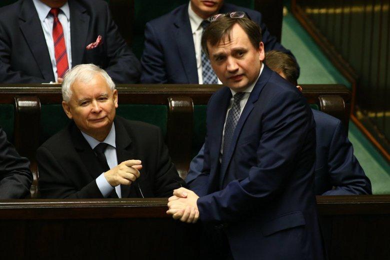 Ruszyły spekulacje, jak będzie wyglądał nowy rząd. Zbigniew Ziobro nie jest sympatykiem Mateusza Morawieckiego.
