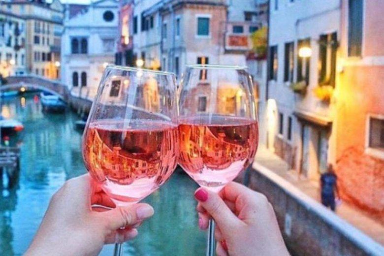 Po alkoholu lepiej radzimy sobie z obcym językiem